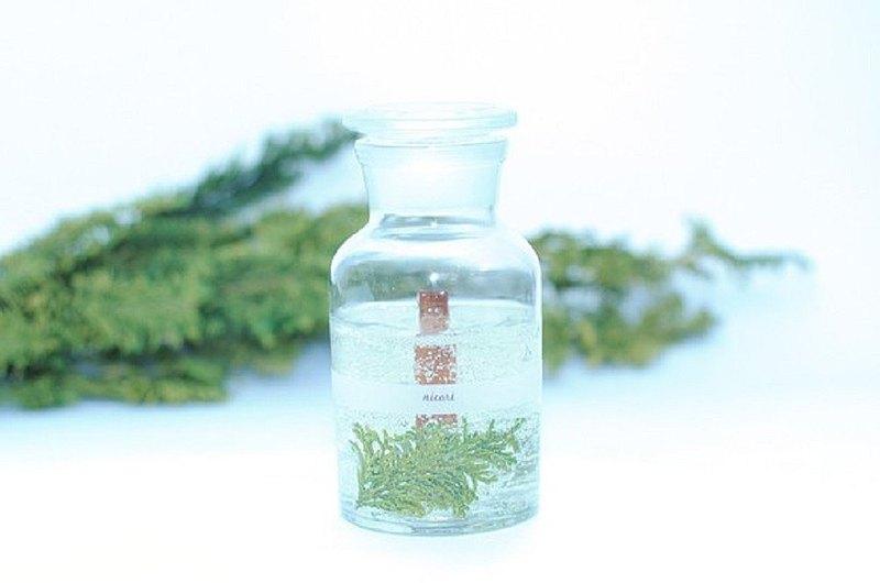 [100% Hiba 精油香薰蠟燭,帶有日本的香味和聲音] BOTANICAL BOTTLE