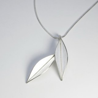 Nature-Dancing In The Wind-Two Big Leaves Silver Necklace-No.2/ handmade