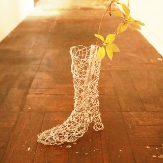 Baum wire flower base boots