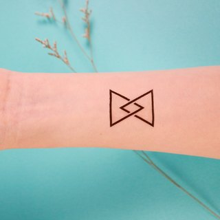 Deerhorn design / antlers tattoos stickers 3 triangle geometry staggered into