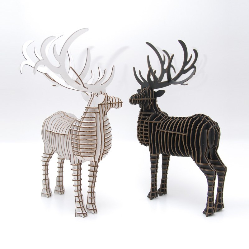 The male deer 3D hand made DIY home decorations have been assembled without DIY Black
