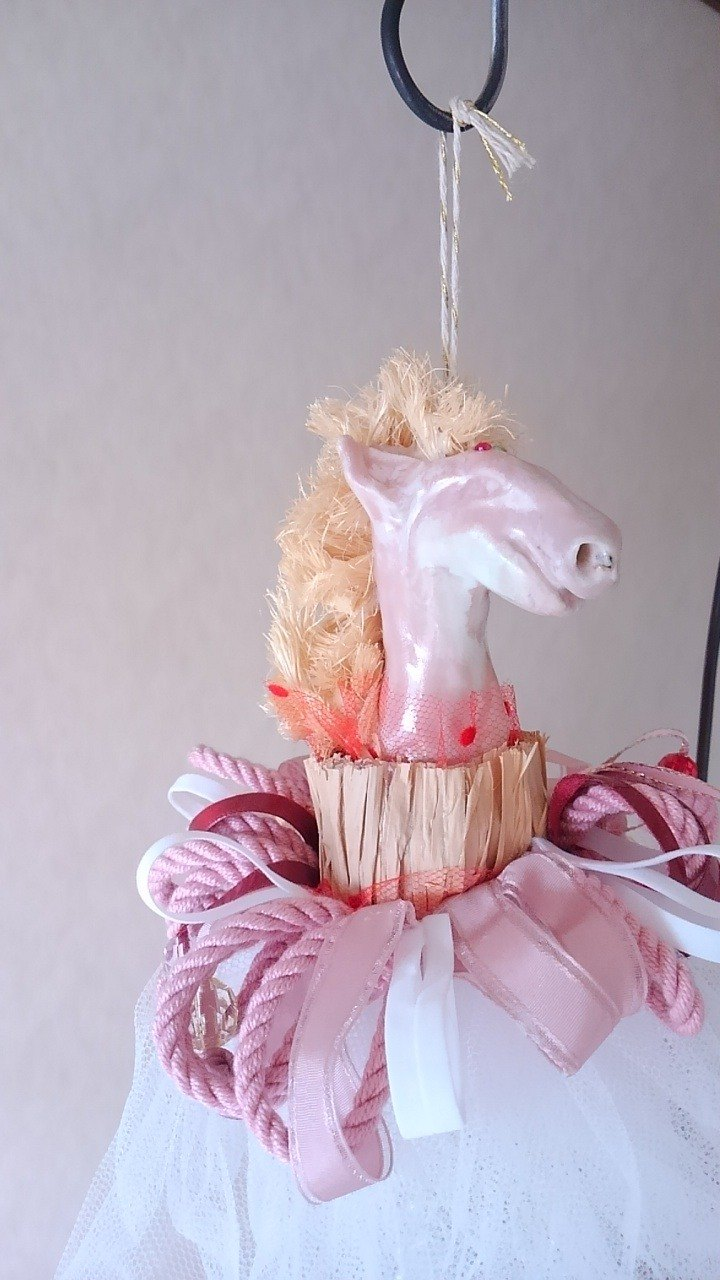 Art object of the horse white×pink