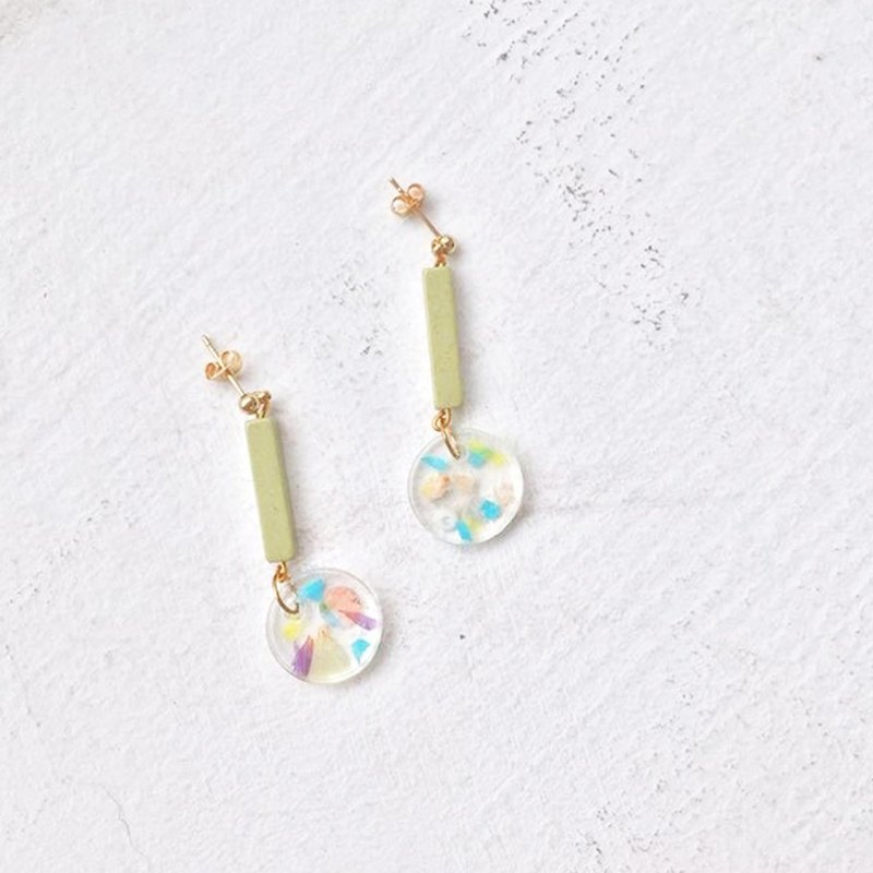 Matcha taste ceramic beads transparent resin starry ear needle hand earrings (gold)