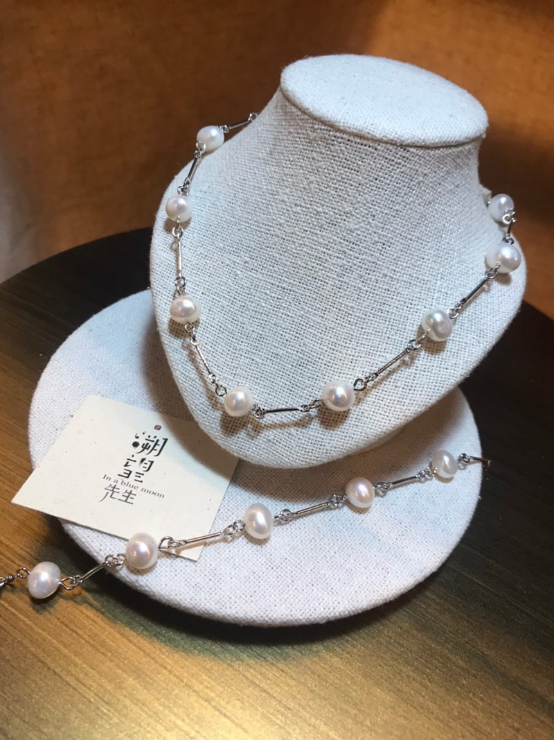 Melting Snow 。Necklace and Bracelets, a set, natrual fresh water pearls