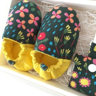 "bugoo ""baby with the moon toddler shoes! Two group gift box ""small floral!"