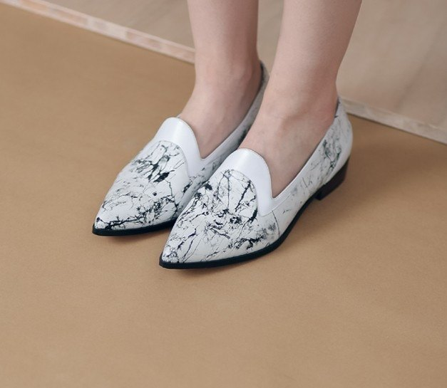 Partially stitched minimalist flat shoes marble white