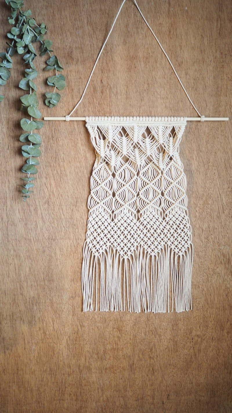 Macrame Wall Hanging 006  Wall Art / Wall Decor / Fiber Arts