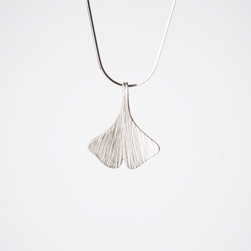 I-Shan13 Ginkgo Leaf Necklace Large