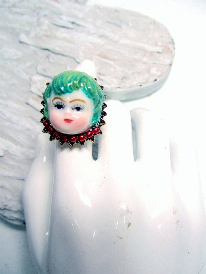 TIMBEE LO imitation ceramic ring aristocratic boy head wind