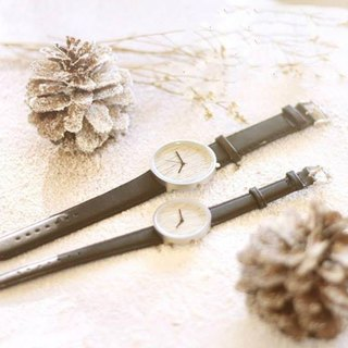Snow Dance | Log Handmade Watch Metal Case Frame Oak Leather Strap