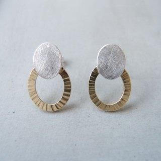 Geometric oval bimetallic earrings
