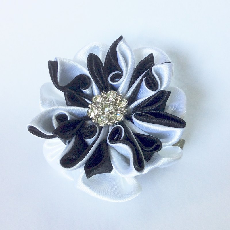 Tsumami Kanzashi black and white ribbon flower French Barrette Hair Clip