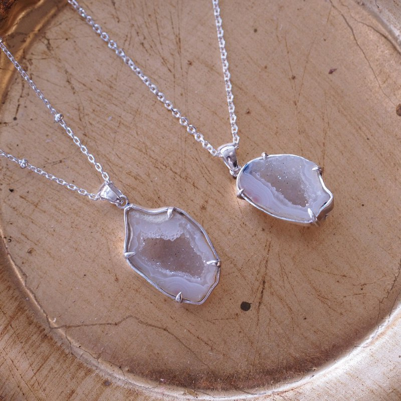 Agate Chalcedony Mini Crystal Hole Handmade Sterling Silver Necklace with Silver Chain