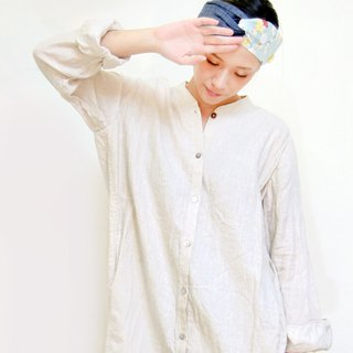 Small stand-up long linen shirt