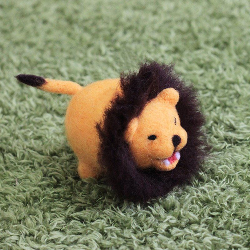 New Year's gift (with video teaching) billowing lion wool felt key ring material kit