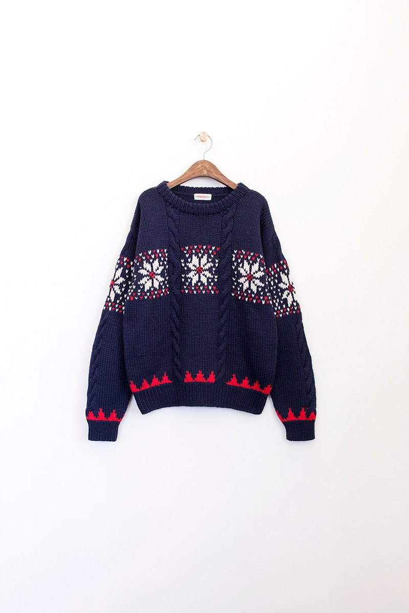 Banana Flyin' Vintage Vintage Thick Twisted Snowflake Pullover