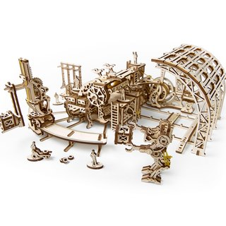 /Ugears/ Ukrainian wooden model machinery town - Robot factory Robot factory