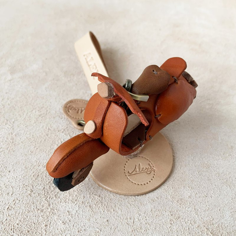 Unbeaten classic - Vespa (orange) - leather vegetable tanned key ring pendant ornament