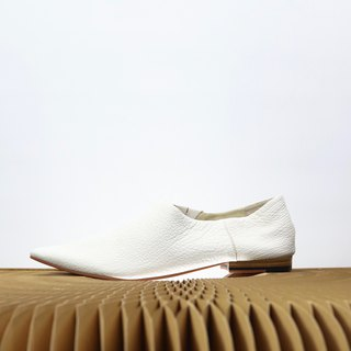 white tip slip on