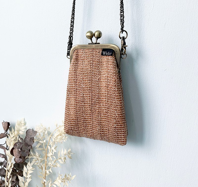 Flowers clasp frame bag/with chain/ cosmetic bag