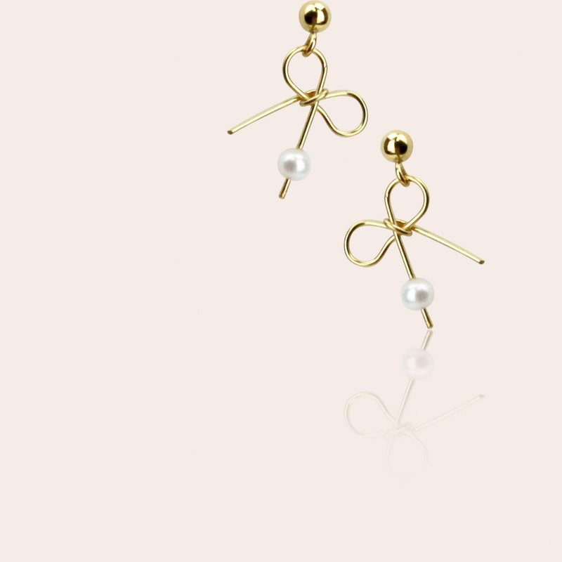 Miss Queeny original | March maiden - bow earrings natural pearl earrings