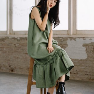 Sleeveless dress with poplin frills in Matcha