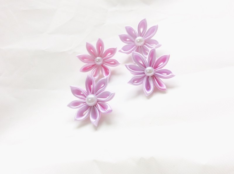 Kanzashi pink ribbon flower lapel pin (つまみ細工)
