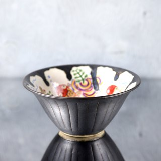 Black glaze and goldfish picture bowl