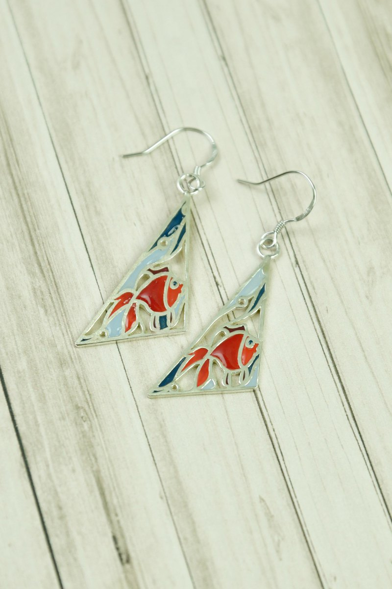 Statelywork old house series - fish window necklace - color