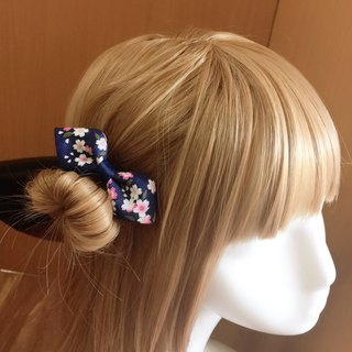 Elegant and windy bowknot. Hair bundles/hair clips