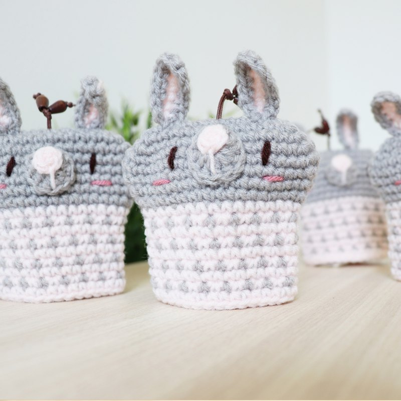 Knitted key cover - Cute Rabbit (gray)