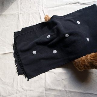 Winter limited wool felt little handmade scarves (black light gray black ball models)