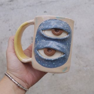 Handmade ceramic mug 2 eye in cream pastel :)