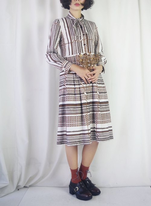 Treasure Hunting - Geometry White Cube Laced Knit Vintage Dress