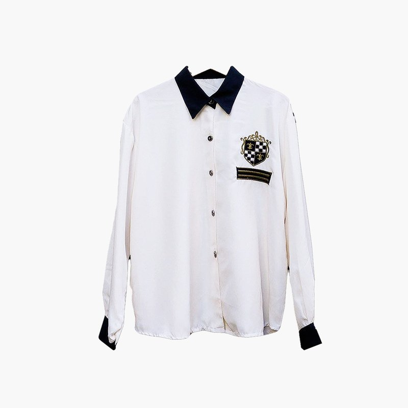Dislocated Vintage / Black Collar College Embroidered White Shirt no.025 vintage