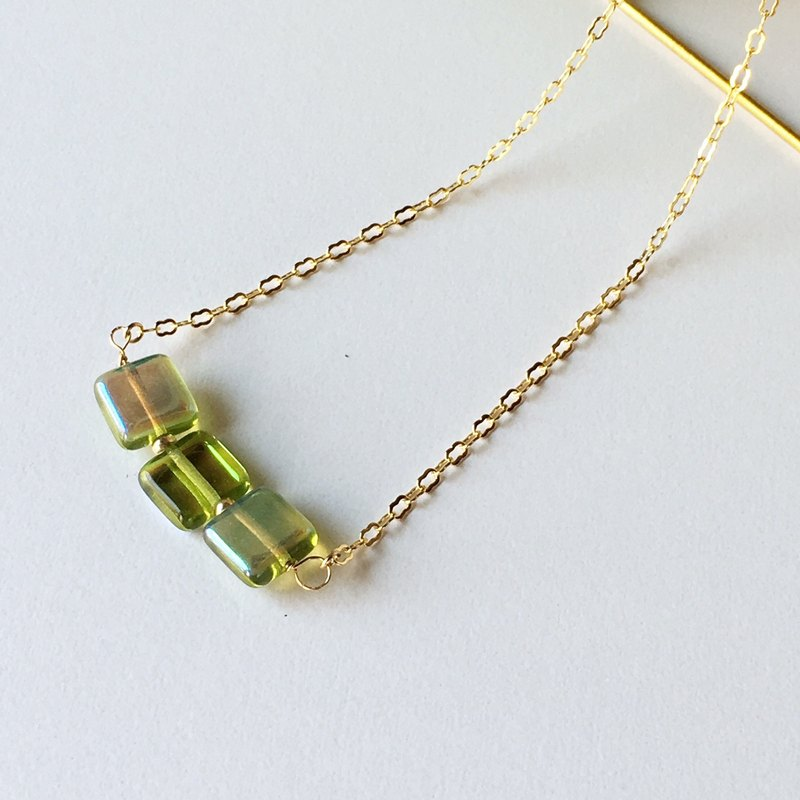 Shining Square Czech bead necklace (K16GP: Green version)