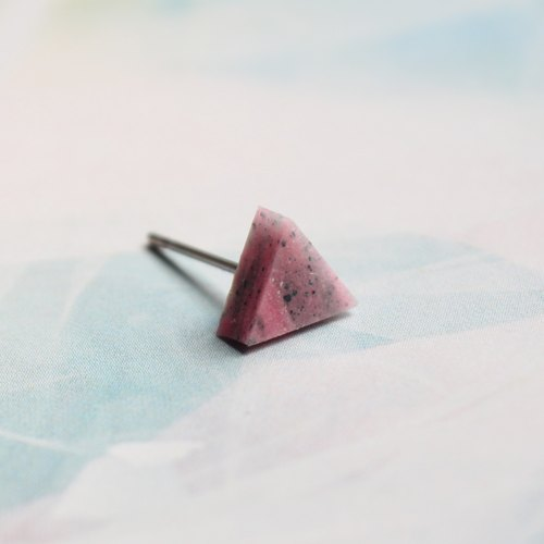 Triangle Earrings ▽ 127 / Pale Shelter ▽ Single Stud