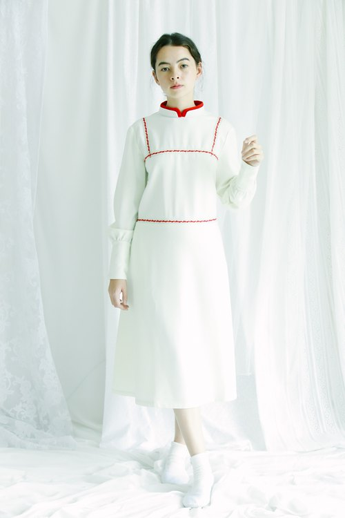 crew neck double collar dress with back button