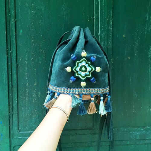 Mandala original green three-dimensional braided tassel drawer bucket bag