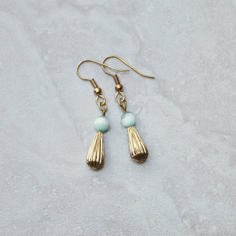 // Opal dangle earrings light blue green / ve022