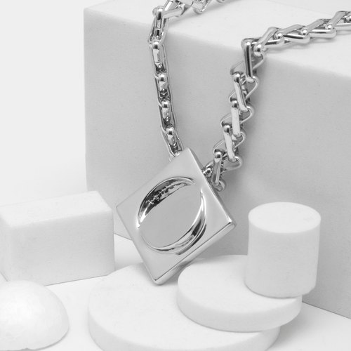 Multi-angle square necklace Multi-angle square Necklace (bright silver)