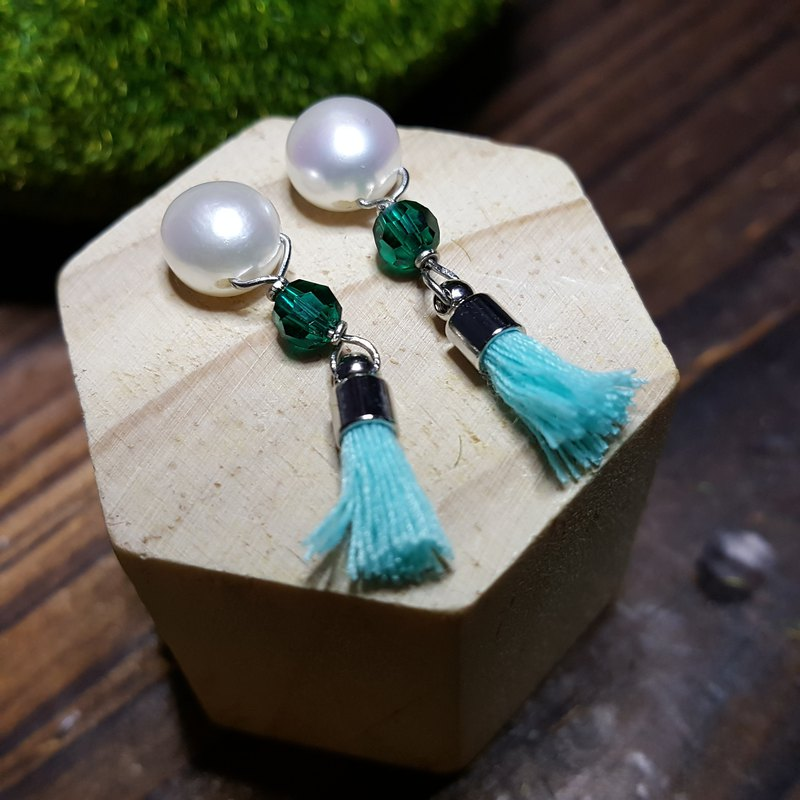 Hipster Girls(Festive Edition): 925 Silver Earrings with Freshwater Pearls, Swarovski Crystals & Turquoise Tassels [Hong Kong/Handmade/Party/Xmas]