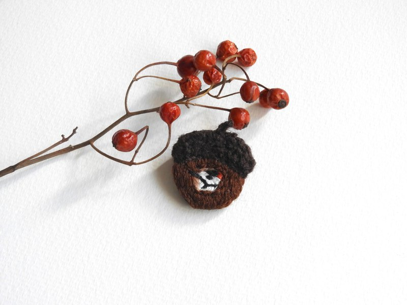 Acorn plant embroidery brooch