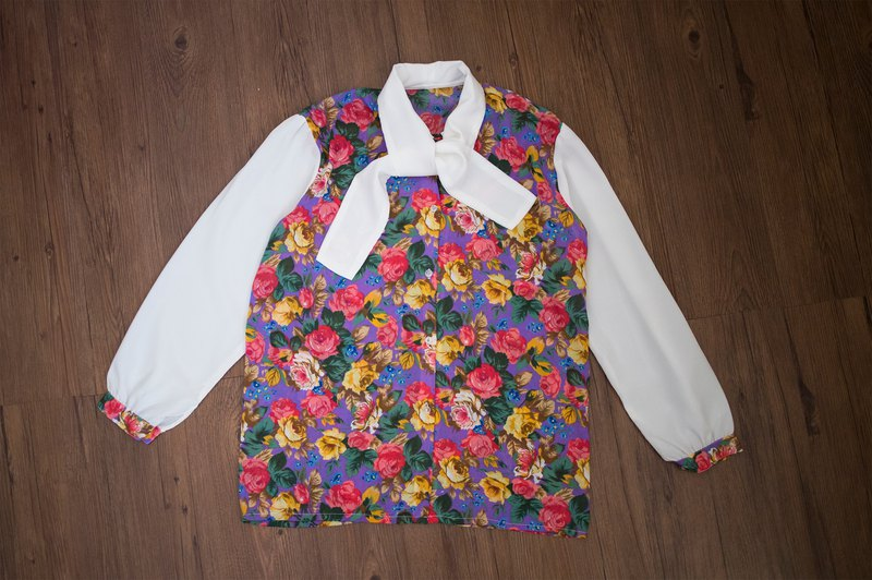 Vintage shirt #5 girl flower handle floral bow tie long sleeve shirt