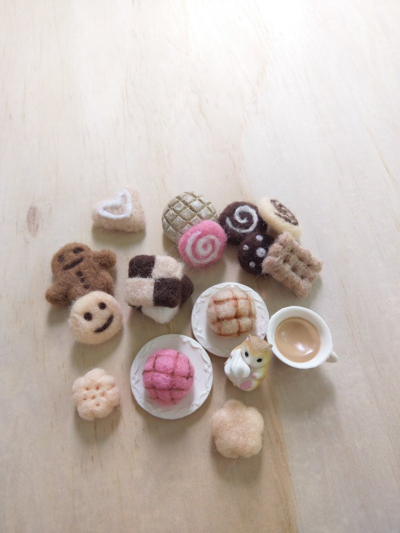 波蘿麵包羊毛氈拇指羊毛氈餅乾草莓法國麵包訂製寵物手工送禮紀念