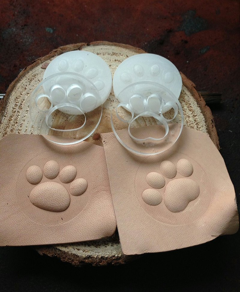 Leather Cat/Dog Palm Mold