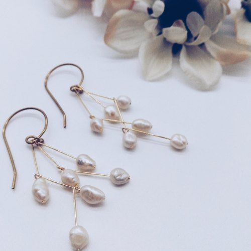 [Corner shop] simple lines freshwater pearl earrings - Z style
