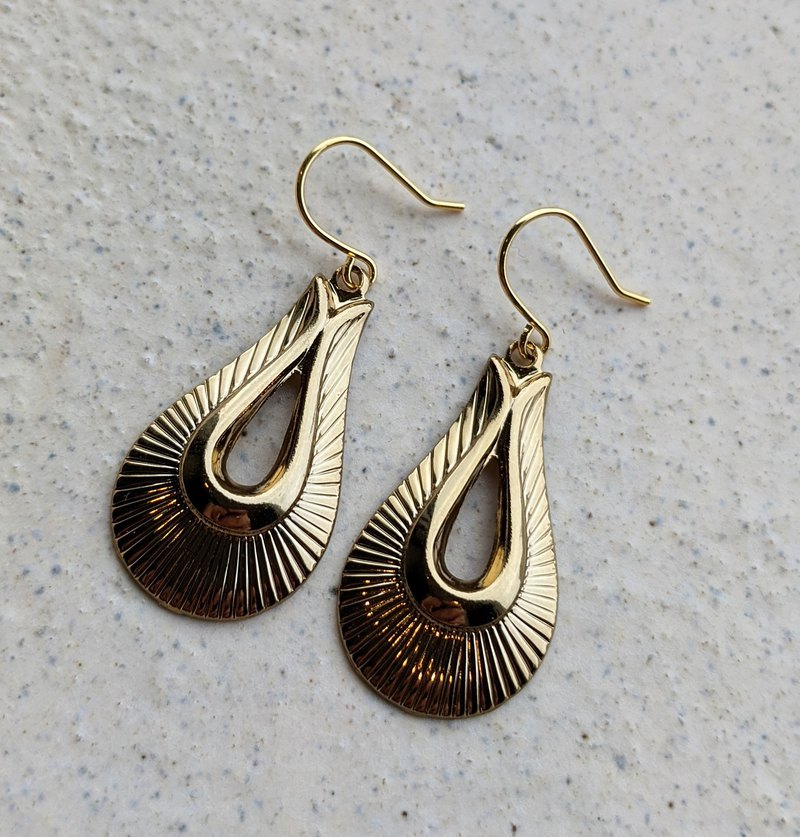 Midcentry Design Teardrop Earrings
