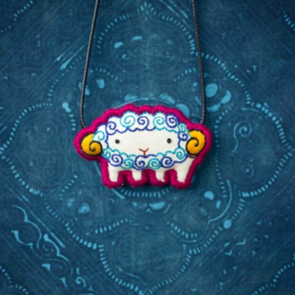 """Zodiac"" Sheep small soft Sheep childrens necklace / brooch original design handmade embroidery retro creative cotton accessories ethnic fun cute art clavicle chain variety show with the new section of the Chinese original creative creative wind"