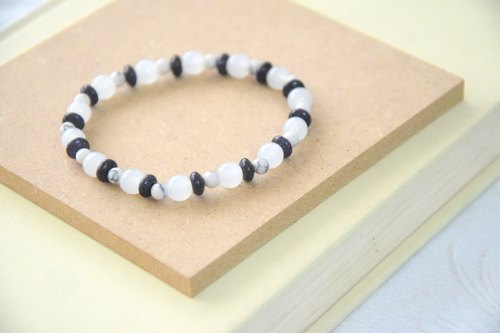 Black & White Thin Handmade Bracelet